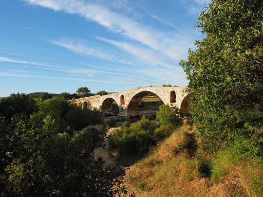 pont-julien-1521591_640